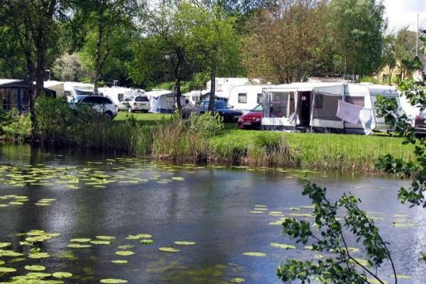 Camping Bw Corona
